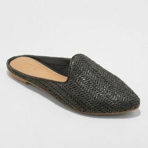 UNIVERSAL THREAD  Violet Black Woven Mules…